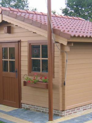 Klassiek houten tuinhuis