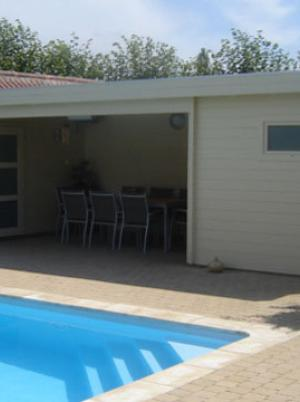poolhouse met overkapping